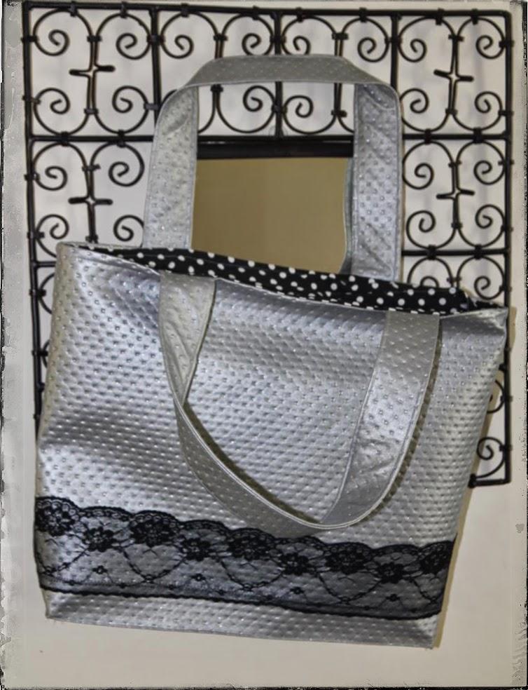 laisse luciefer les petits secrets couture le baroque sac simili et dentelle. Black Bedroom Furniture Sets. Home Design Ideas