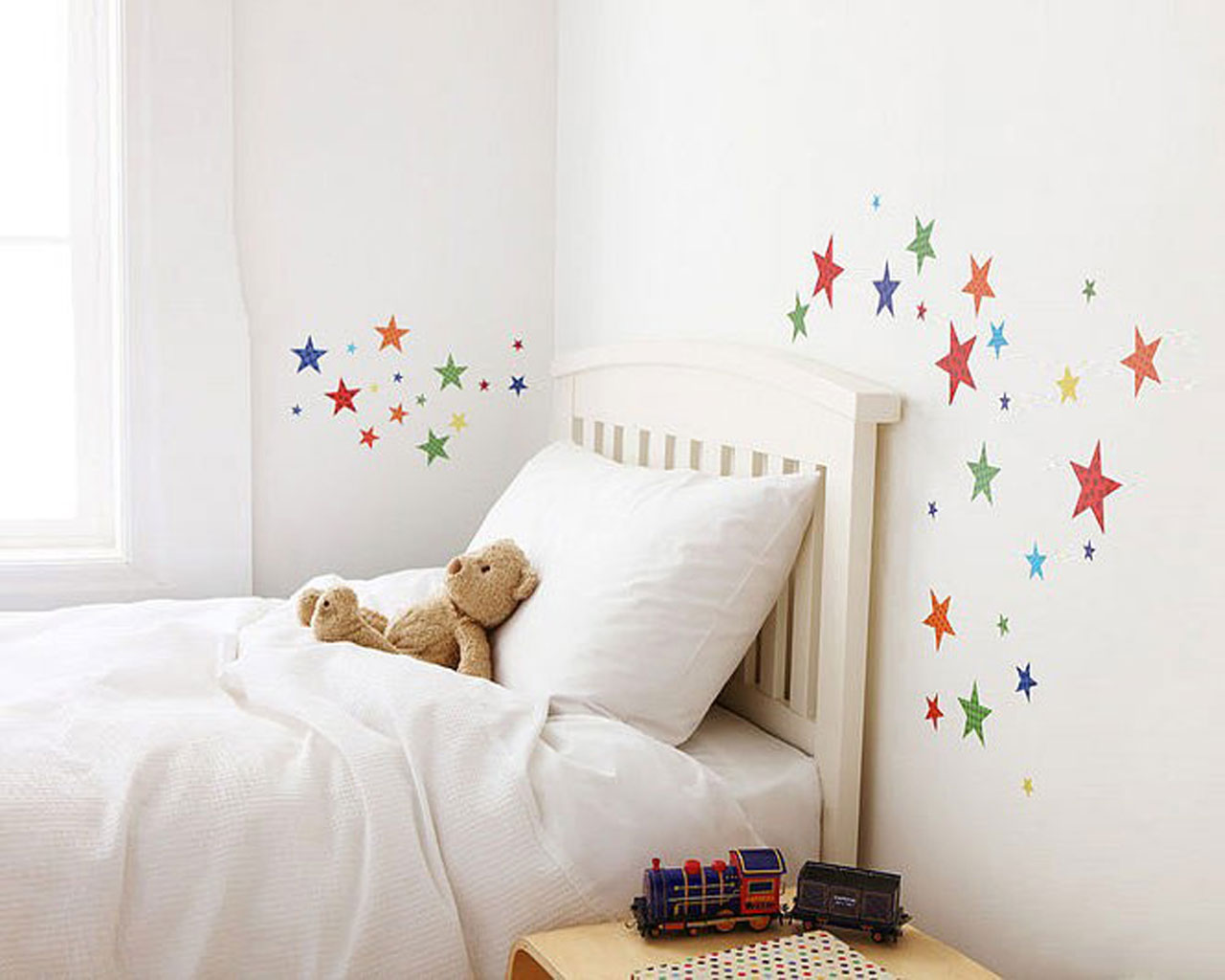 Childrens wall stickers wall decals interior for Bedroom wall decals
