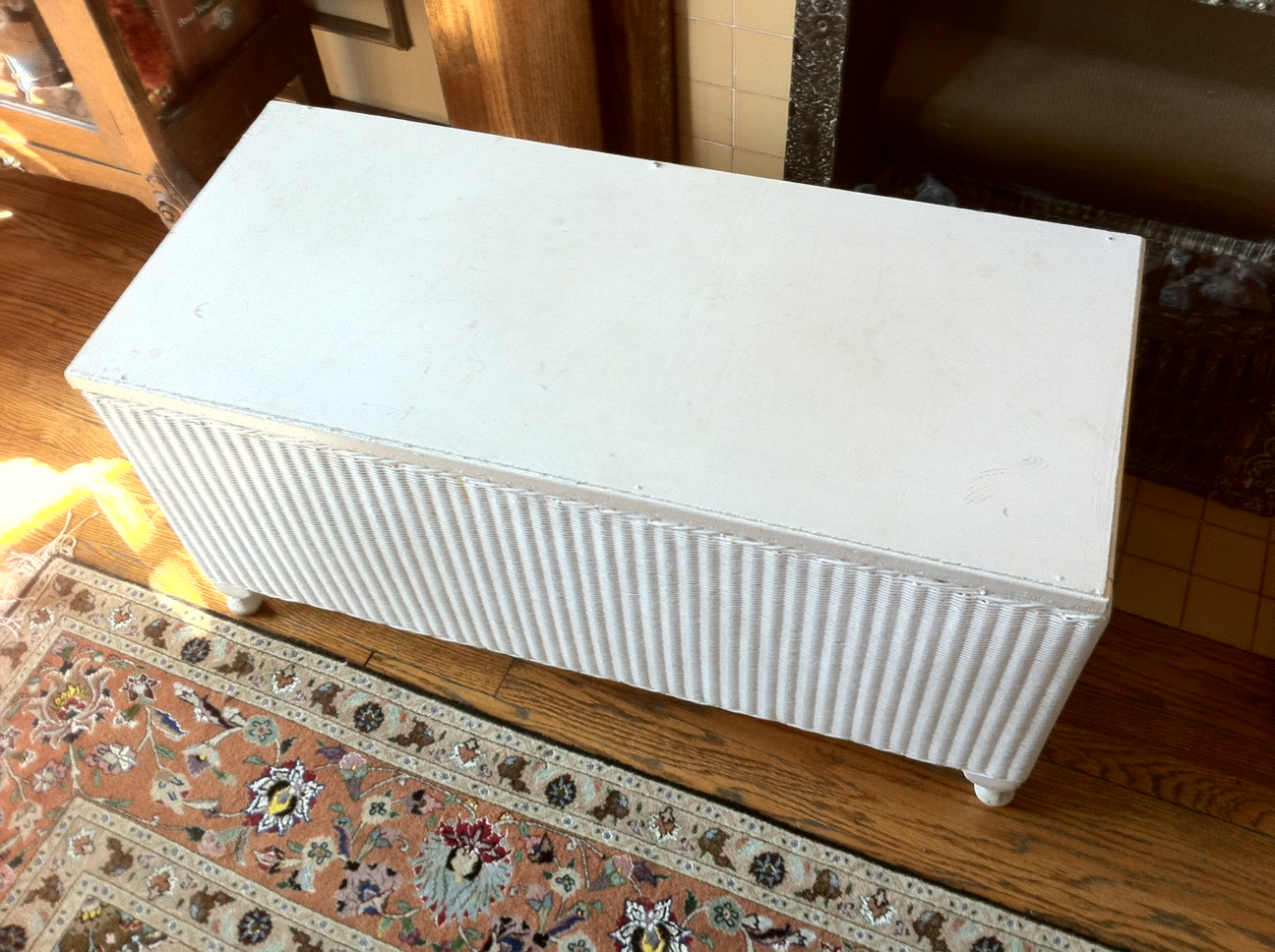 Lady jane 39 s treasure trove sold white wicker blanket chest toy chest or coffee table 30 White wicker coffee table