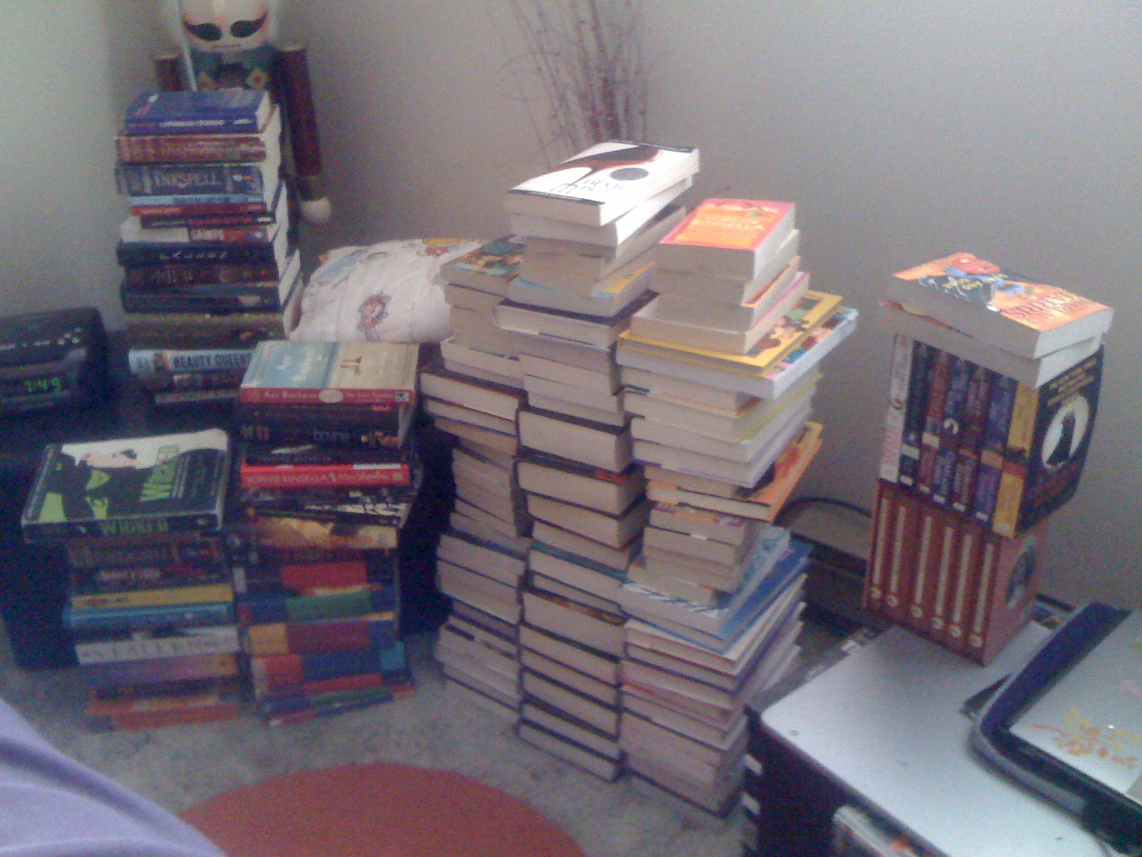 My Not So Vacant Shelf How To Organize Your Book Shelf