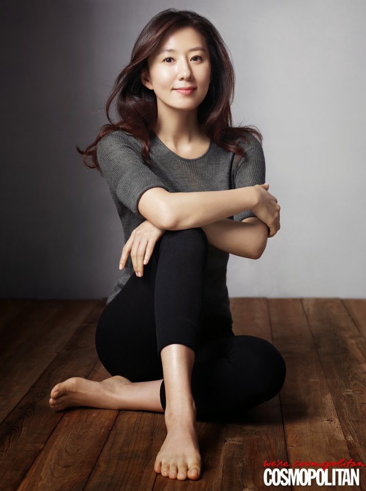 Kim Hee Ae - Cosmopolitan Magazine March Issue 2014