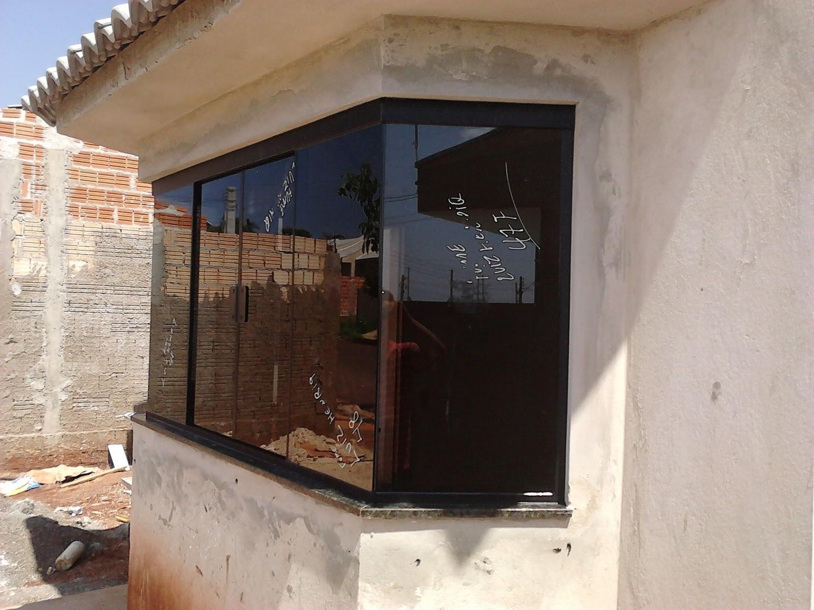 #664938 FRANCO VIDROS TEMPERADOS: Obra em Ourinhos  432 Janelas De Vidros Para Residencia
