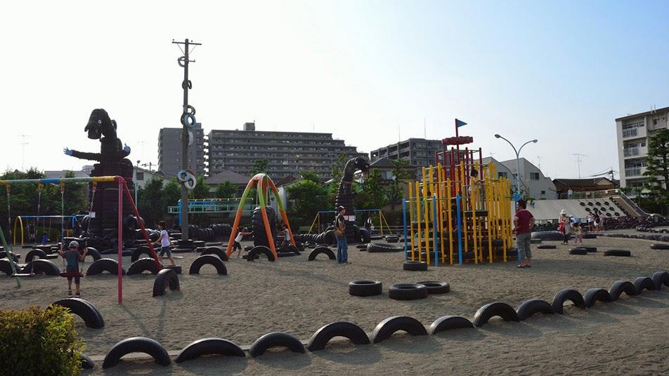 Шинная детская площадка