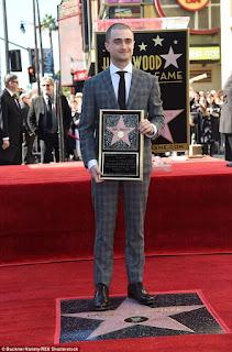 Clique para ampliar | Daniel Radcliffe ganha estrela na Calçada da Fama! | Ordem da Fênix Brasileira