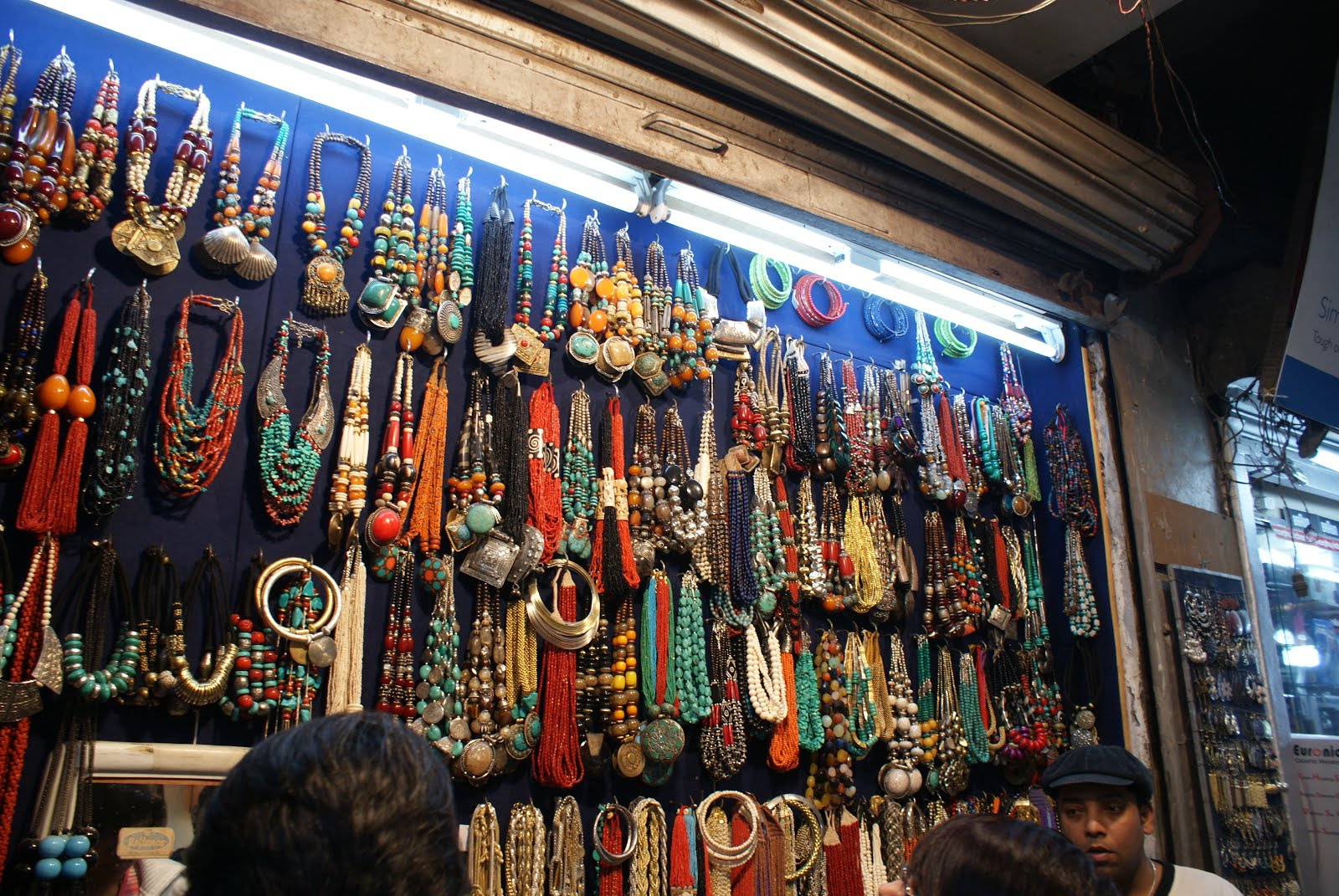 Branded cosmetics wholesale in delhi