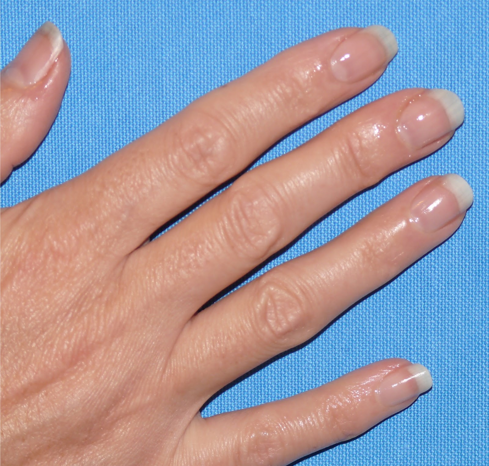How to strengthen the nails with gelatin 73