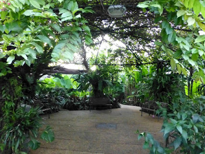 secret-garden-one-utama-pergola