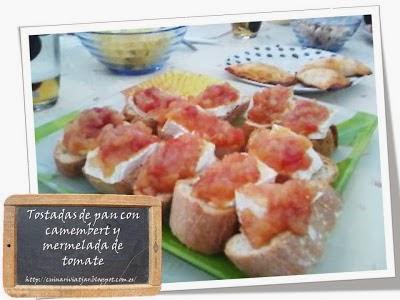 Pincho de Camembert, cebolla y mermelada de tomate