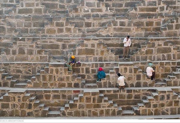 بئر الدرج، أعمق بئر مائي في العالم J.jpg