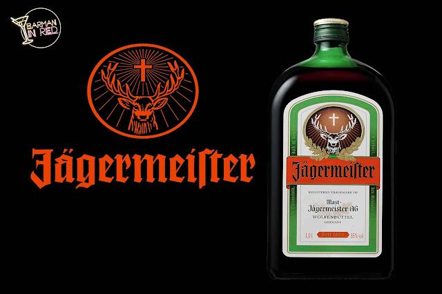 Jägermeister iberia y Lizarran firman un acuerdo para distribuir este famoso licor en sus locales de tapas.