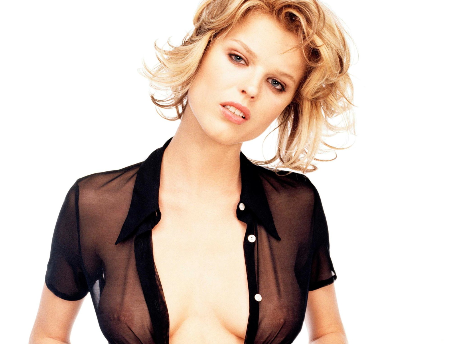 Eva Herzigova wallpaper