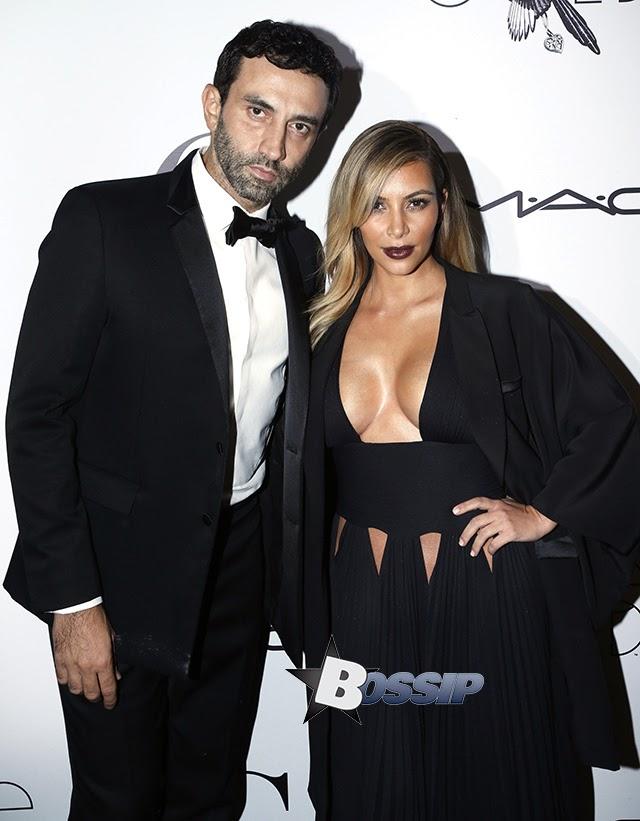 Kim Kardashian Dan Miranda Kerr Tayang Buah Dada