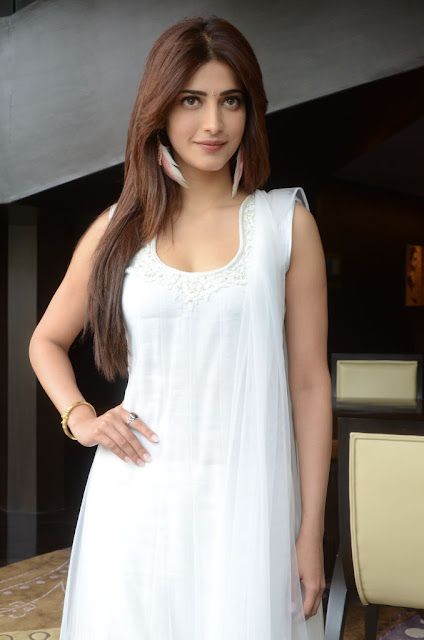Latest Shruthi Hassan Photos