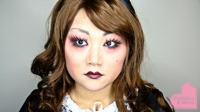 Gothic Lolita Doll, creepy doll, halloween makeup, halloween costume, makeup and beauty blog, asian eyes, asian monolid, single lid, makeup tutorial, makeup reviews, product reviews, cosmetics, make up, makeup, maquillage, tuto, tutorial, tutoriel, yeux, asiatique, futilitiesandmore.blogspot.com, futilities and more, futilitiesandmore, futilitiesmore
