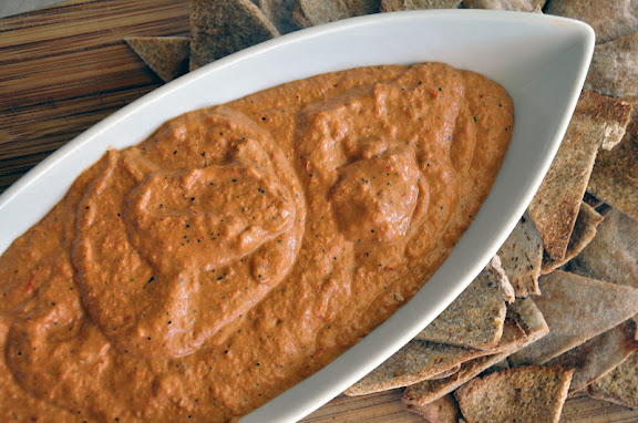 Muhammara: light and healthy Middle Eastern dip recipe