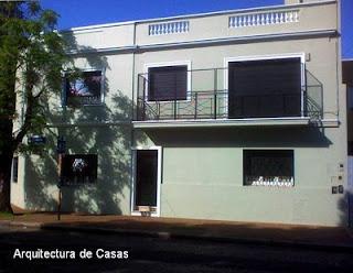Casa residencial de barrio de dos plantas en Ciudad de Buenos Aires