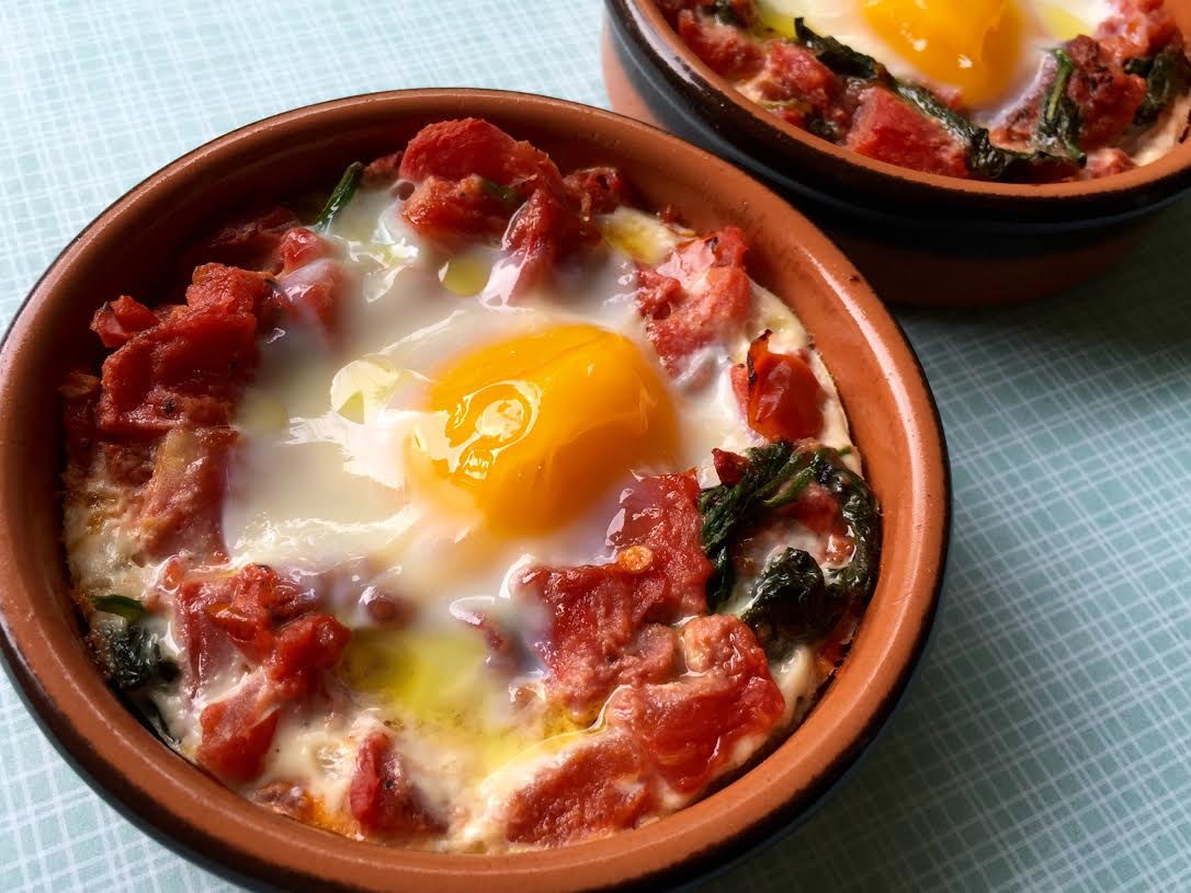 I Run For Wine: Baked eggs with spinach and tomatoes # ...