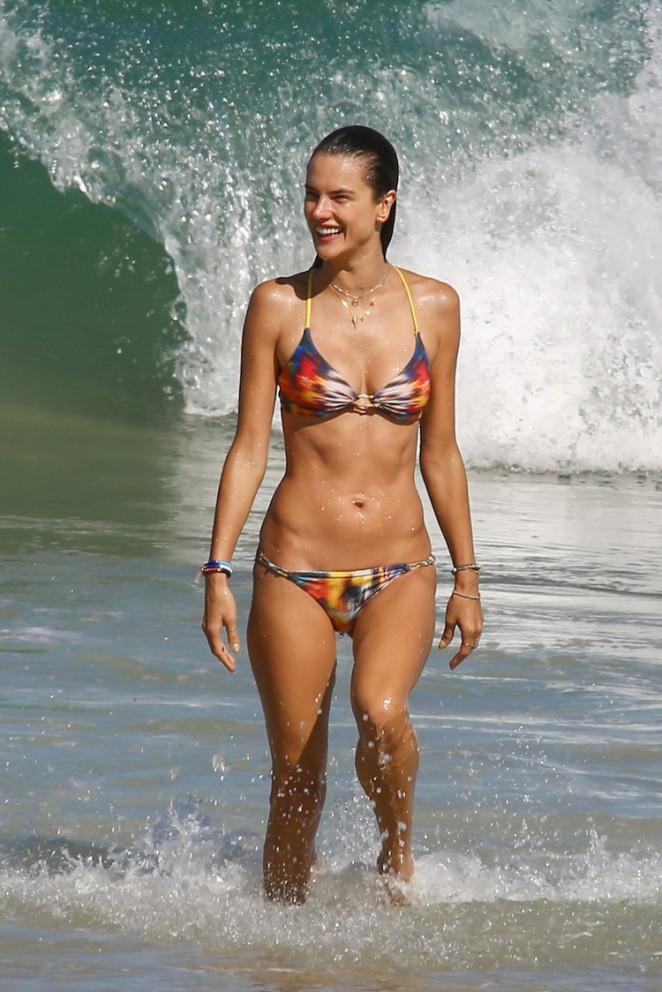 Alessandra Ambrosio shows off abs in a bikini in Rio De Janeiro