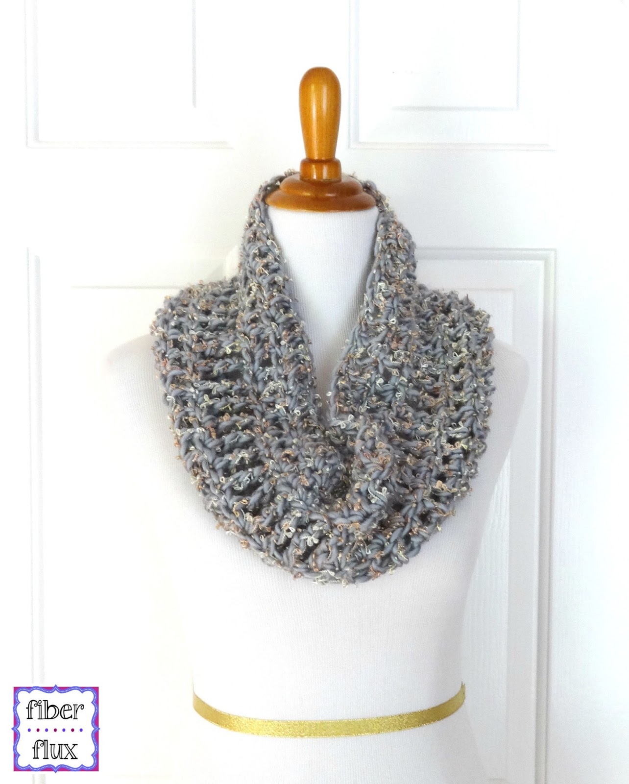 Fiber flux free crochet patternatinum cowl the platinum cowl is an easy project that can be worked up with a single skein of super bulky yarn in an evening worked with a large hook in an alternating bankloansurffo Choice Image