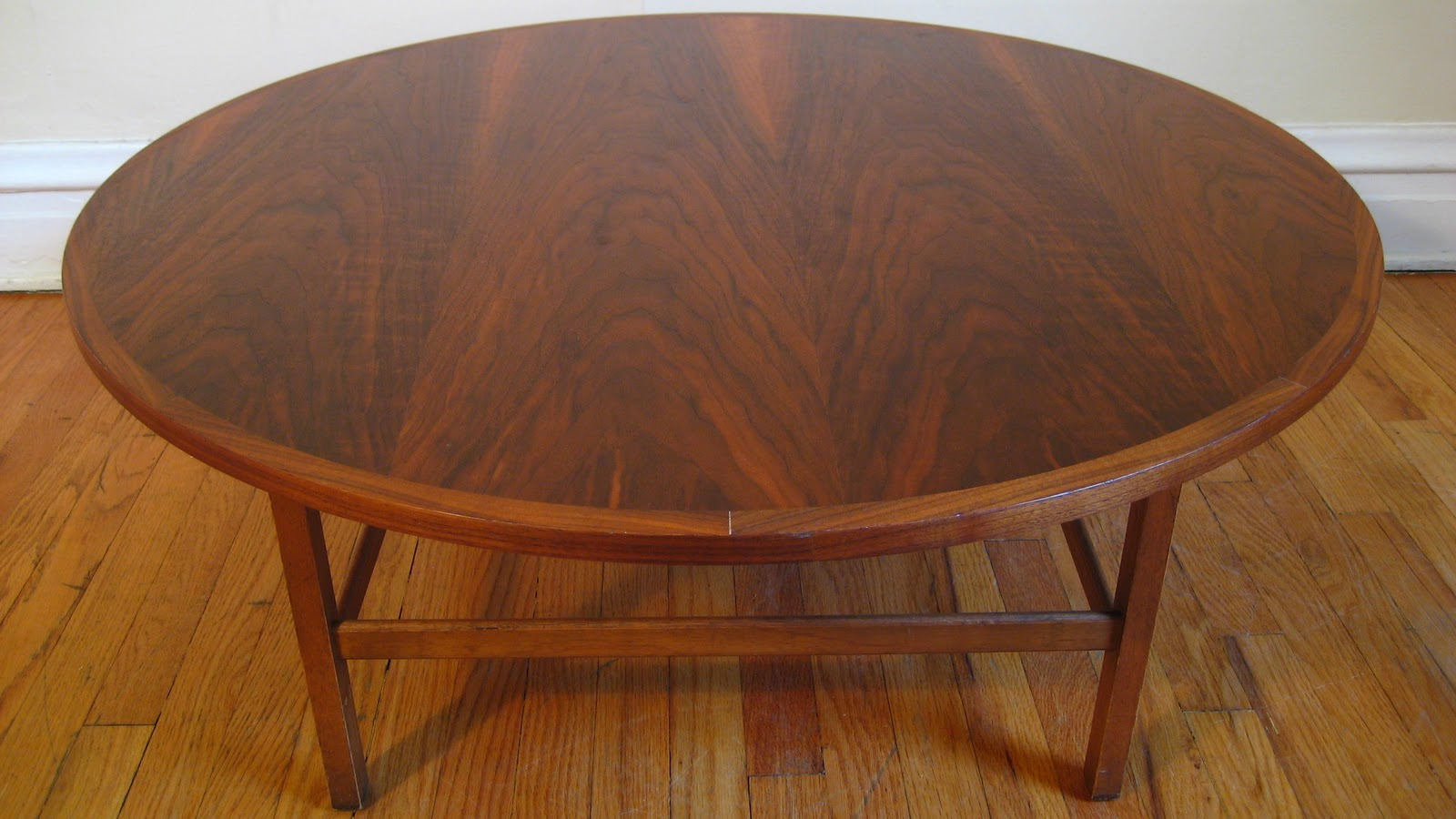 Ideal Vintage Lane uDelineator u cocktail table designed by Paul McCobb Delineator was Lane us top of the line offering in Round walnut tabletop on
