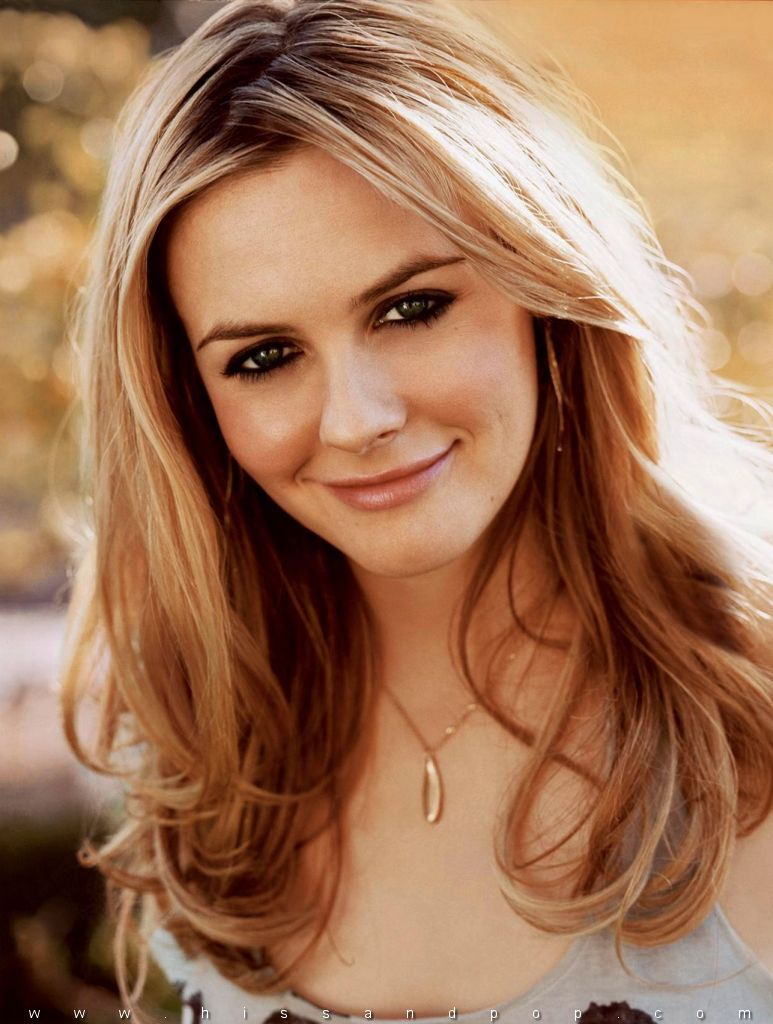 Alicia Silverstone - Images Gallery