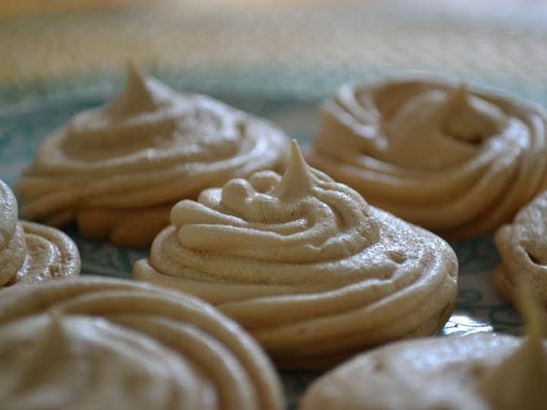 Yummy Brown Sugar Meringue Cookies