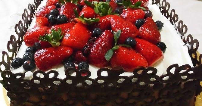 Le torte di lorena e non solo torta con pizzo di for Decorazioni torte con fragole e cioccolato