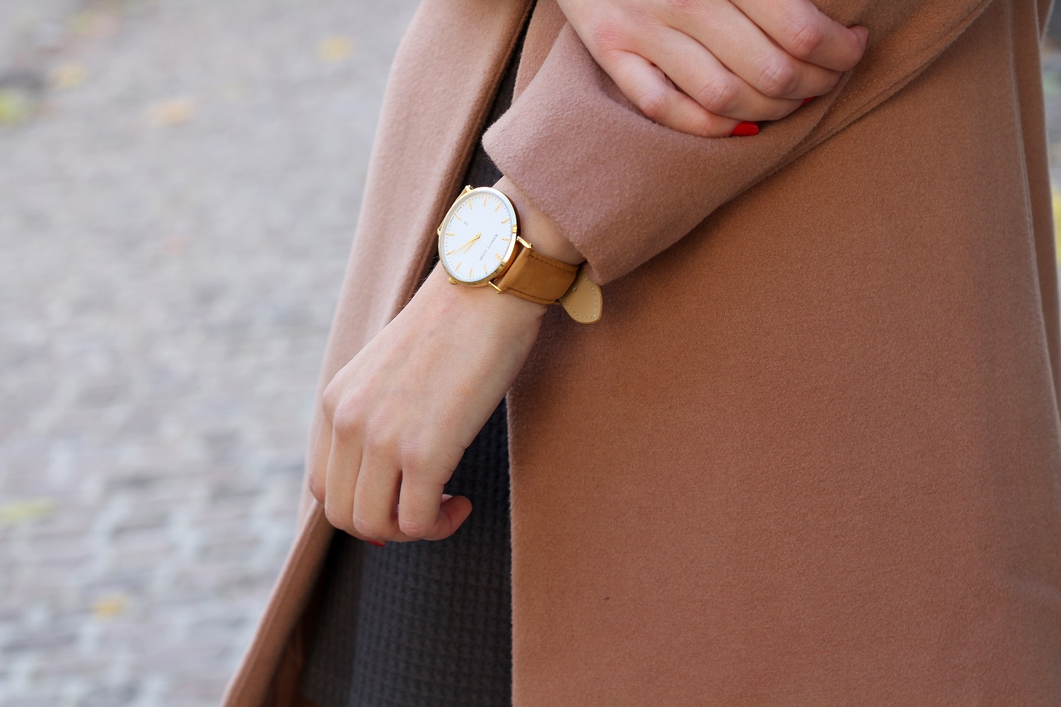 peexo fashion blogger wearing abbott lyon watch