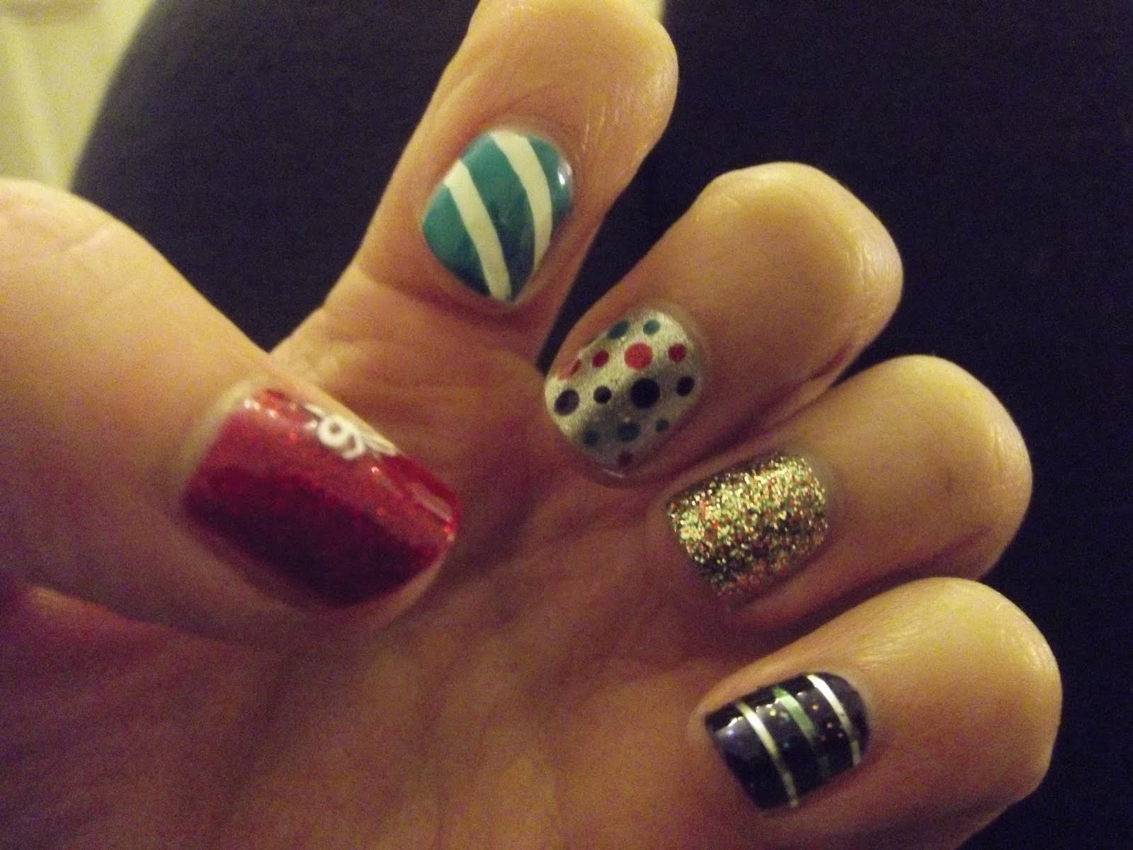 persistently glittery christmas present nails