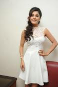 Isha Talwar Glamorous photos-thumbnail-15