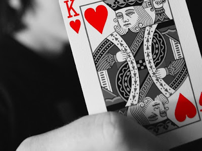 List hand card in playing poker online