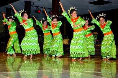 Tari Lumense Tarian Daerah Bombana Sulawesi Tenggara