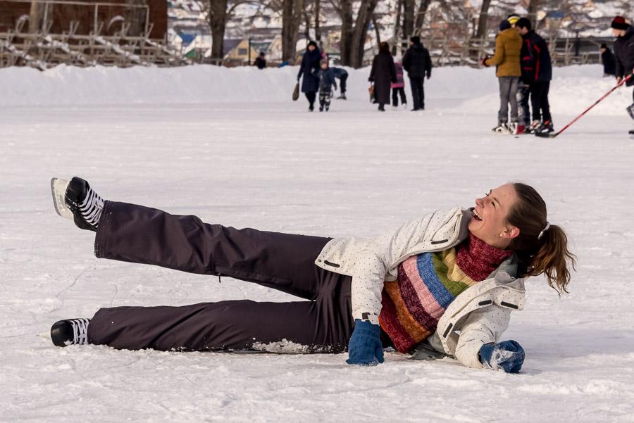 Теплый зимний день и на каток не лень!