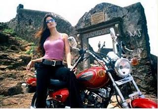 Katrina kaif Hot Movie Zindagi Na Milegi Dobara