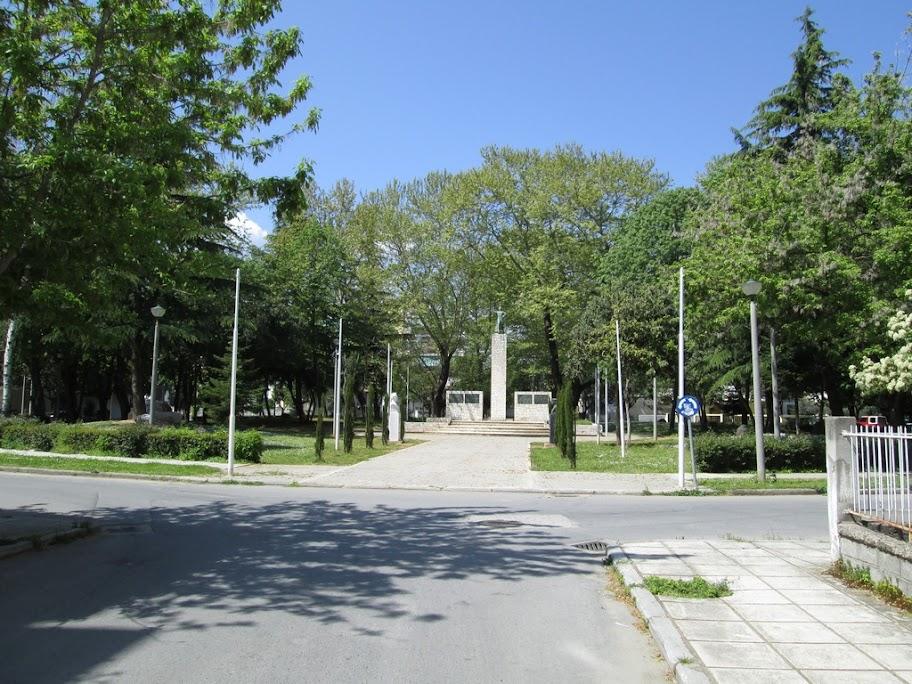 Η πλατεία Ηρώων