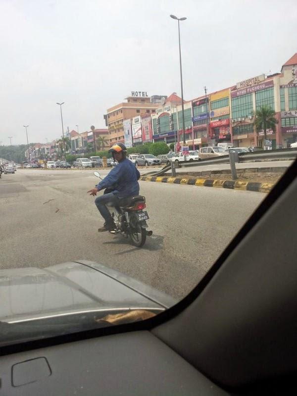 AWAS Samseng Jalanan Bermotorsikal Di Bandar Puteri Puchong