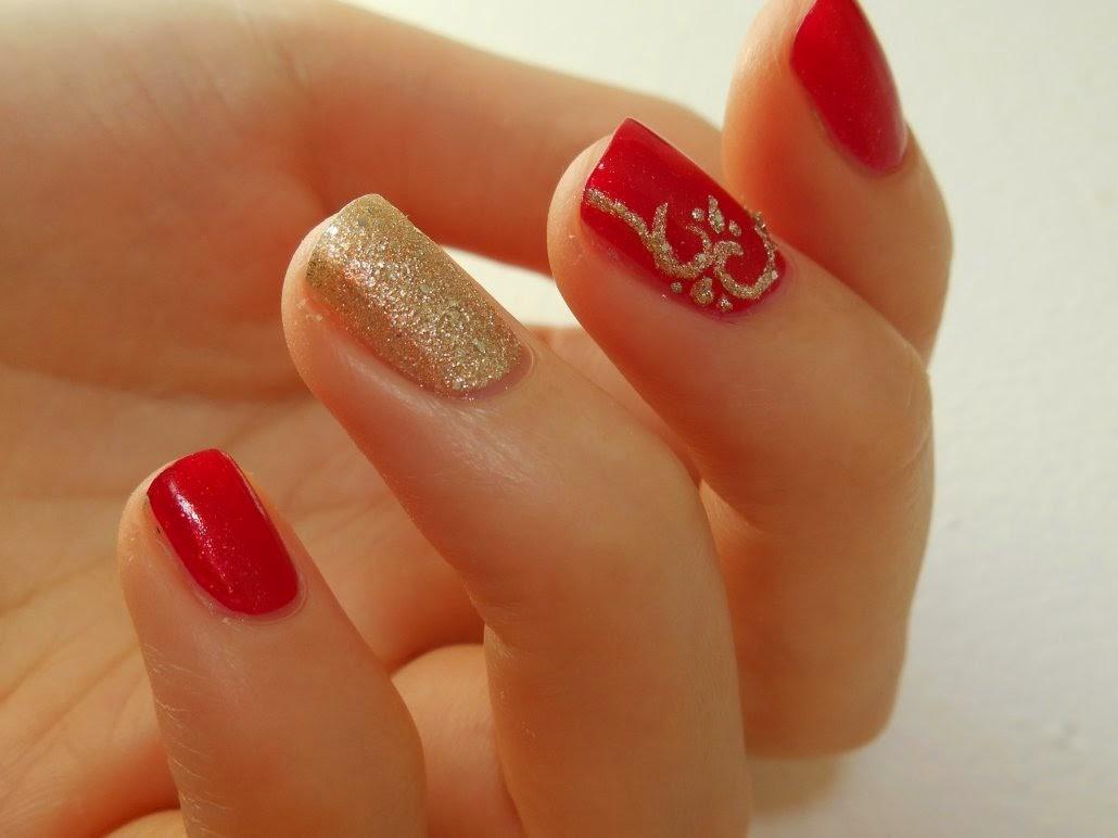 Personnellement, jai beaucoup aimé ce Nail Art, ça fait super classe je trouve. Cest parfait pour les fêtes de fin dannées avec une petite robe rouge par
