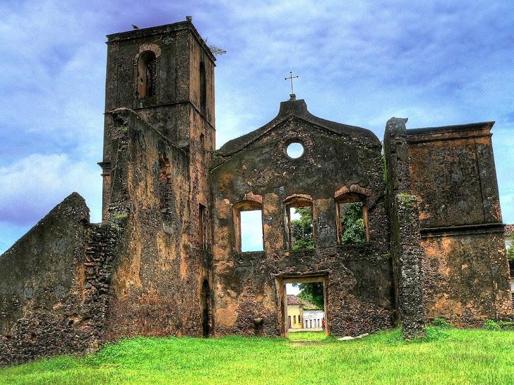 Igreja em ruínas