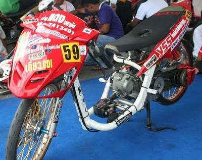 mio+racing+look+Thailand%2527s+style Kumpulan Gambar Modifikasi Mio Matic Drag