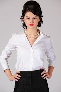 Selena Gomez White pearl