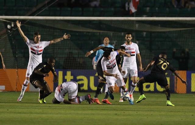 São Paulo construiu o placar no primeiro tempo de jogo e correu poucos riscos no segundo (foto: Rubens Chiri/saopaulofc.net)