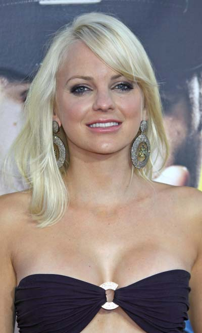 anna faris scary movie 3. Anna Kay Faris (born November