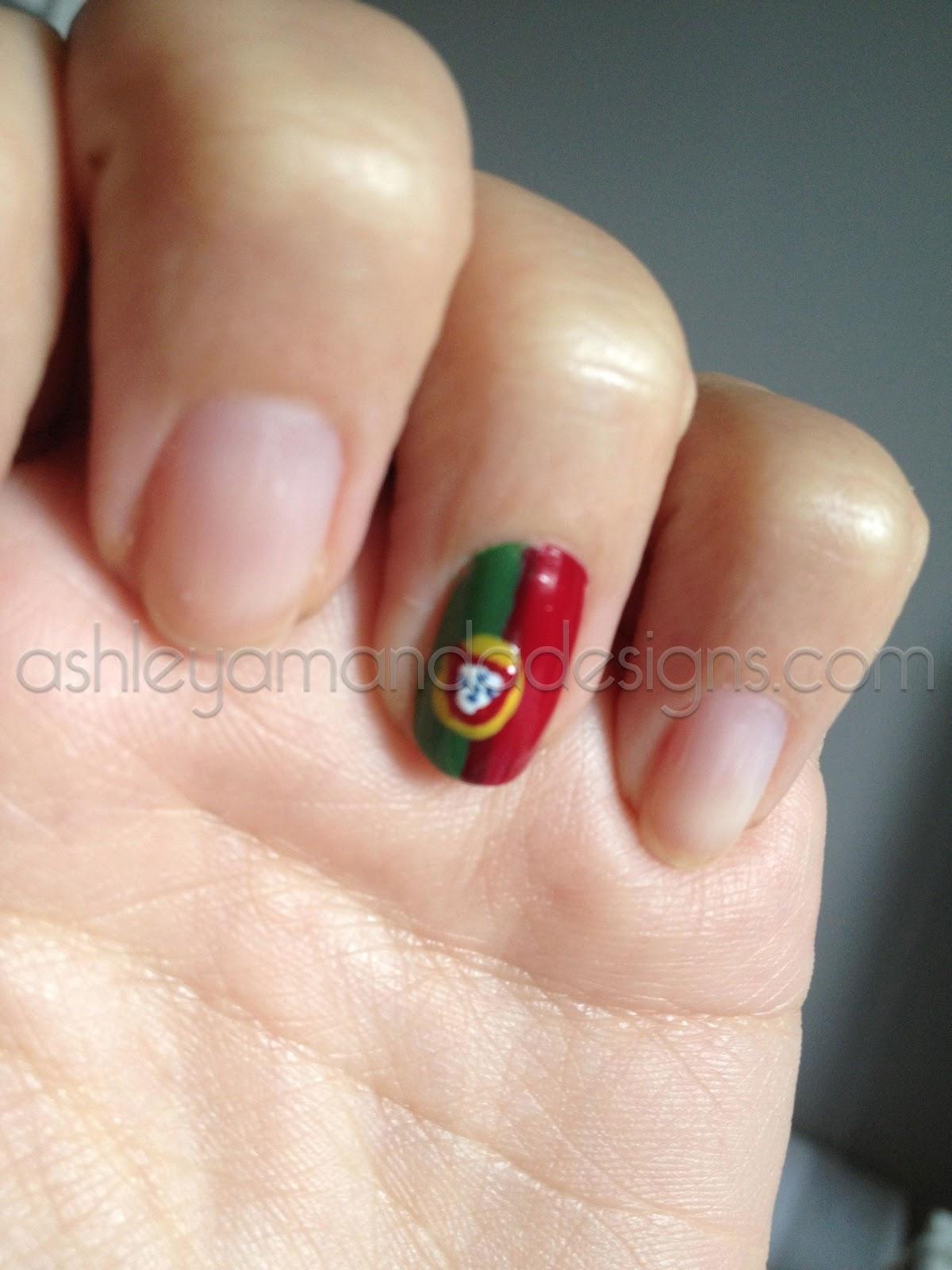 Ashley Amanda: Portuguese Flag Nail Art