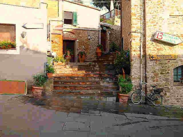 File:ostelli bed and breakfast_8.jpg