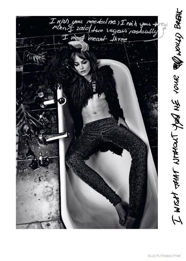 Noir - pantalon paillettes - seins nus