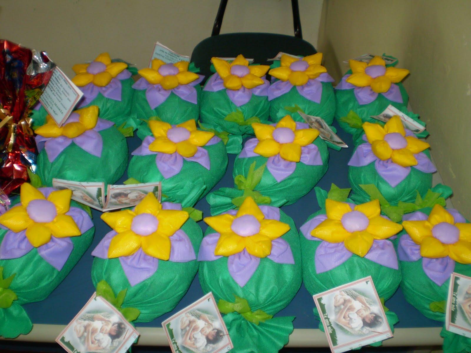 Suficiente Beth Artesanato: Peso de porta com flores de fuxico FA84
