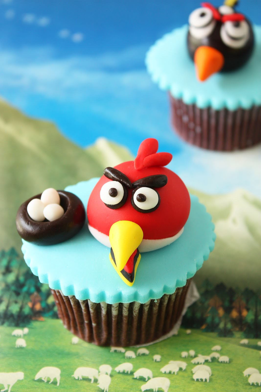Cherry on a Cake: CAKE CONNECTION\'S ANGRY BIRDS CUPCAKE CLASS