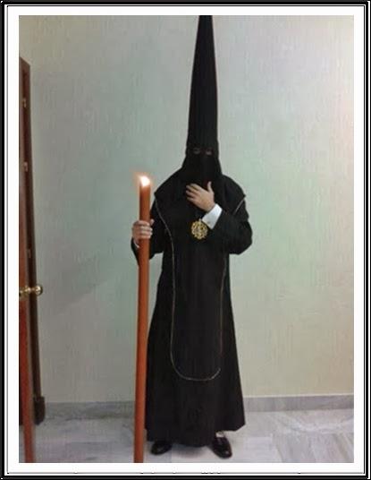 Sagrado Hábito de la Hermandad de la Sagrada Mortaja de Jerez de la Frontera.