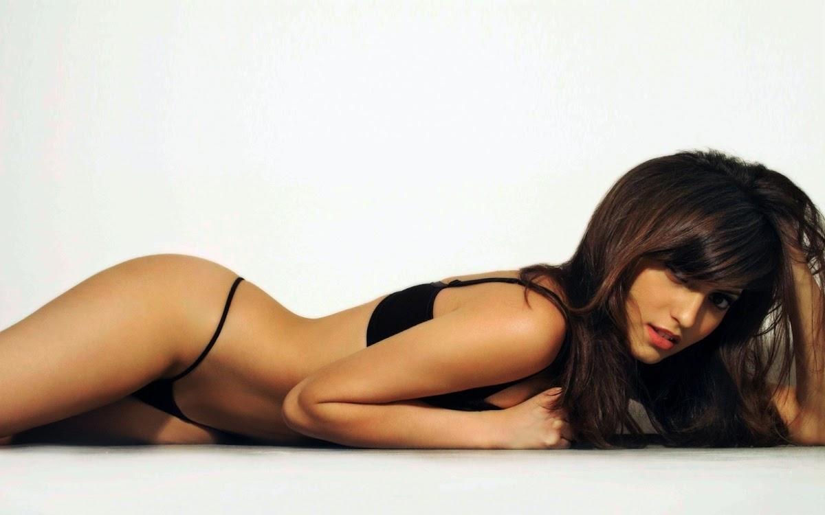 http://4.bp.blogspot.com/-vCSfBDQe-4o/UN0sgax086I/AAAAAAAAT-o/eYikVkiBugA/s1200/Francoise+Boufhal+02.jpg