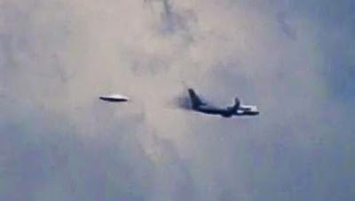UFO Sighting Next To Passenger Plane, UFO Sighting News